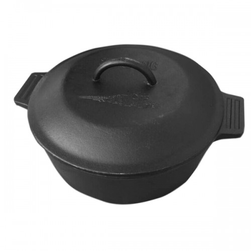 Bayou Classic Black Cast Iron 4-quart Dutch Oven with lid